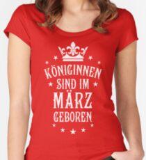 Königinnen sind werden im März geboren Geburtstag Women's Fitted Scoop T-Shirt