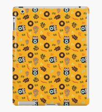 Owls and Donuts. iPad Case/Skin