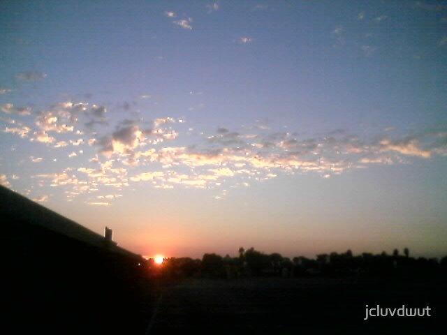 Sunrise by jcluvdwut