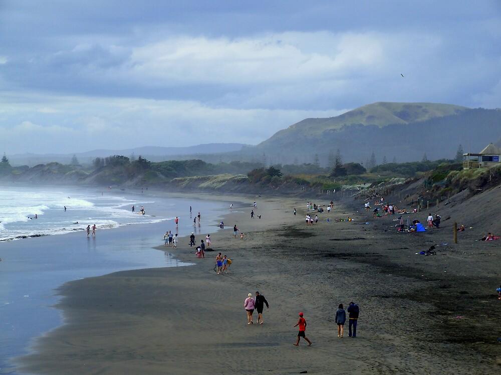 Muriwai Beach by EssjayNZ