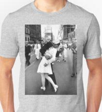 Kissing World War II Goodbye Unisex T-Shirt