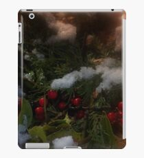 Snowy Christmas holly iPad Case/Skin