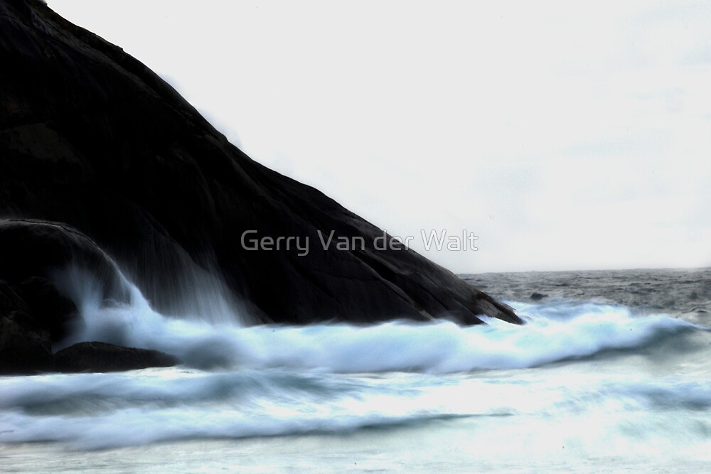 Waves on Rocks - B&W by Gerry Van der Walt