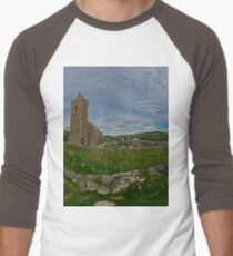 Glencolmcille Panorama with Church Men's Baseball ¾ T-Shirt