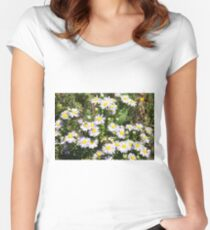 Field camomile Women's Fitted Scoop T-Shirt