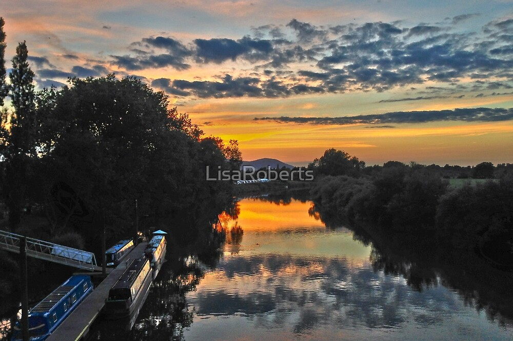 Sunset from the Bridge at Upton-on-Severn by LisaRoberts