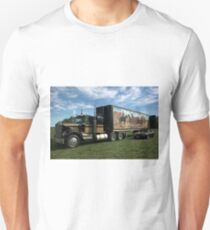 "1974 Kenworth W900A ""Smokey and the Bandit"" Semi Truck Replica T-Shirt"