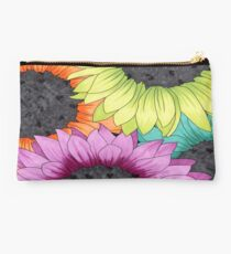 Bunch O Daisies Studio Pouch