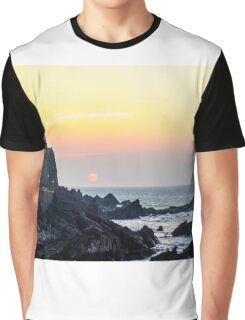 Sunset at Wildersmouth Beech, Ilfracombe, North Devon Graphic T-Shirt