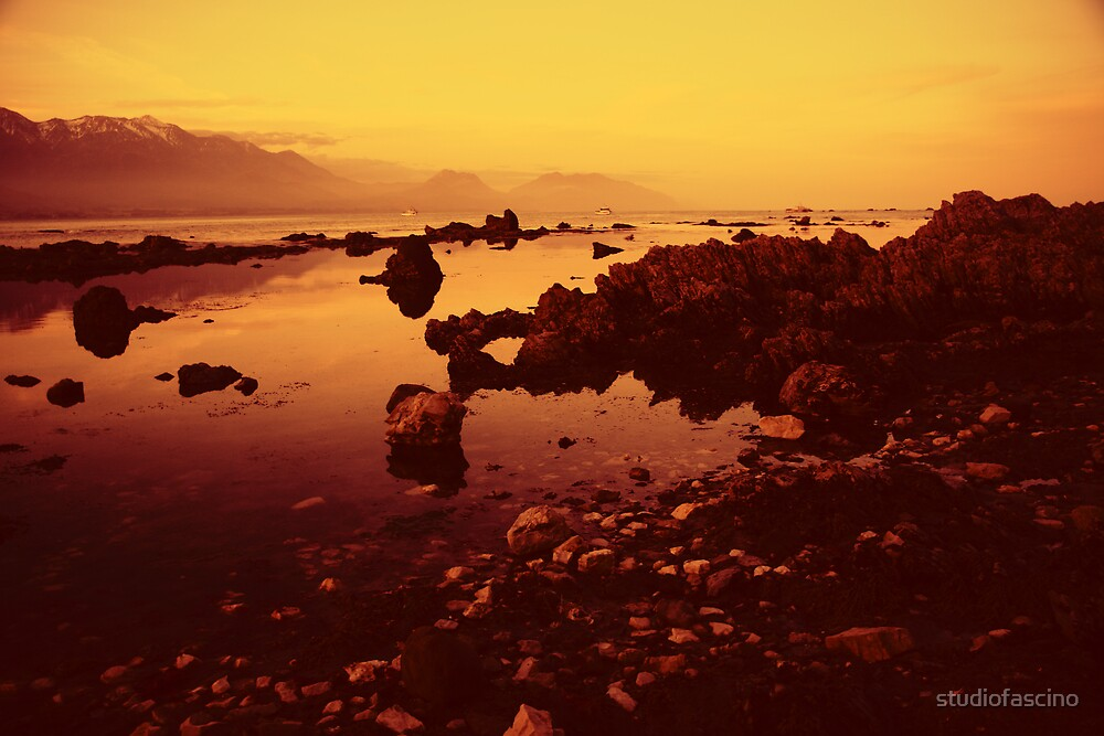 sunset in kaikoura by studiofascino