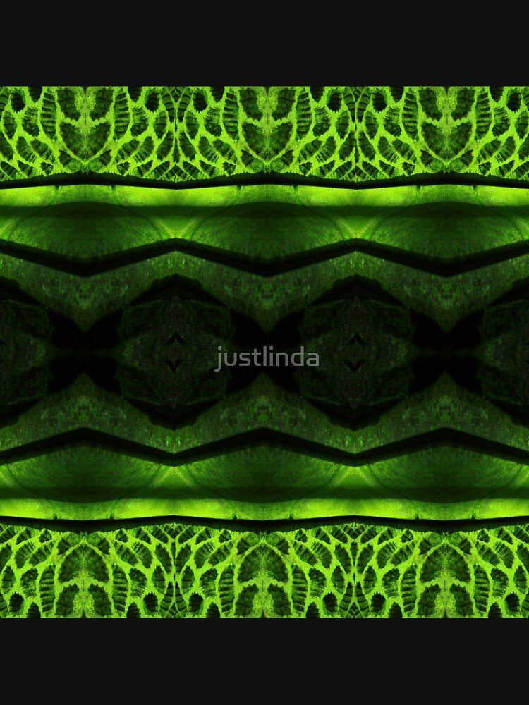 Emerald by justlinda