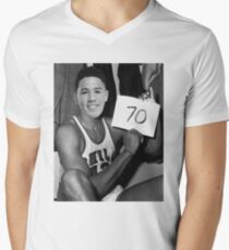 Devin Booker - 70pts vs Celtics Men's V-Neck T-Shirt