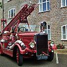 Weymouth Vintage Fire Engine by lynn carter