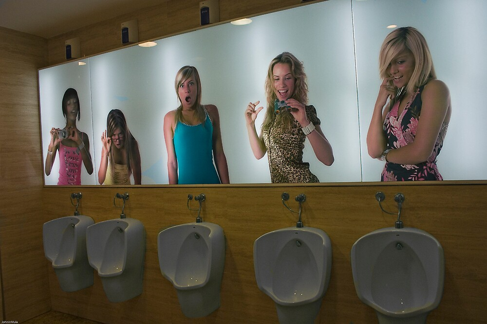 Posh Gents toilet in Thadar Centre Murcia españa by Johninmula