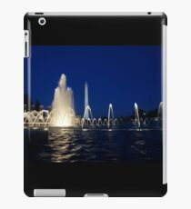 Washington Monument from WWII Memorial iPad Case/Skin