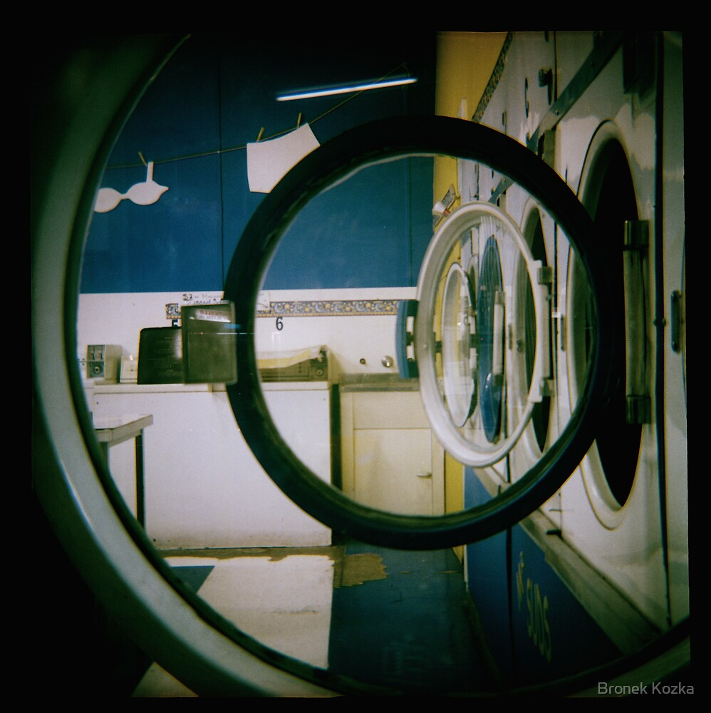 Laundrette No#3 by Bronek Kozka