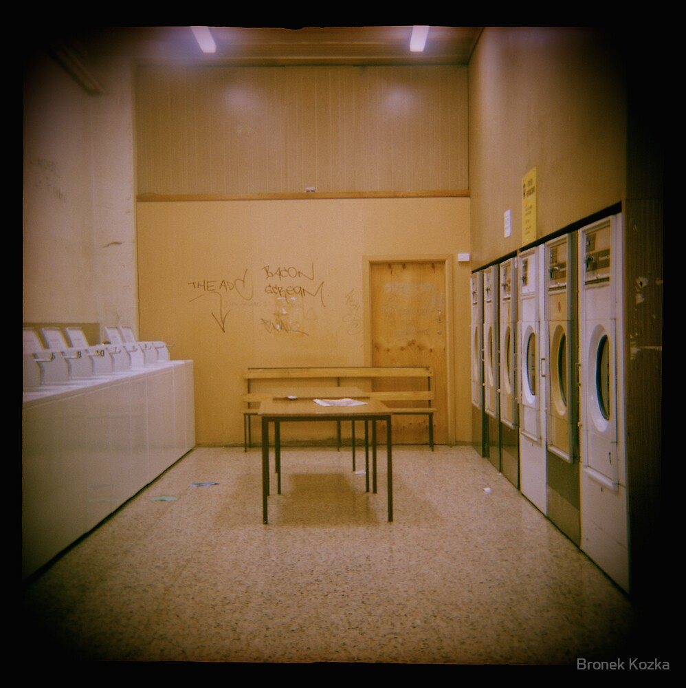 Laundrette No#4 by Bronek Kozka