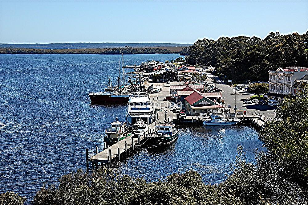 Strahan, Tasmania by patapping