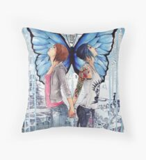 Life Is Strange - Max and Chloe Throw Pillow
