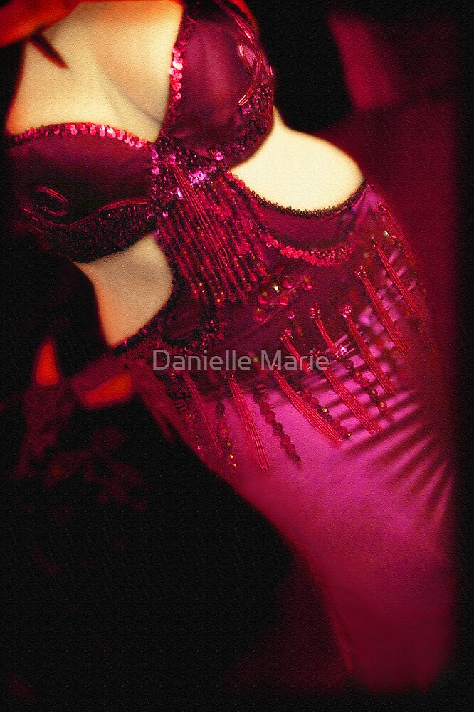 belly dancer  by Danielle Marie