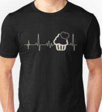Baking cupcakes love heart Unisex T-Shirt