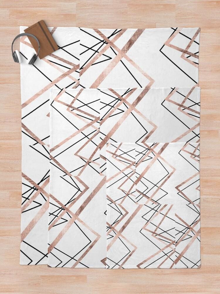 Alternative Ansicht von Rosen-Goldweißes lineares Dreieck-Zusammenfassungs-Muster Fleecedecke