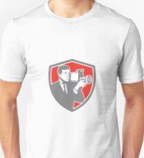 Video Cameraman Shooting Vintage Shield Retro Unisex T-Shirt