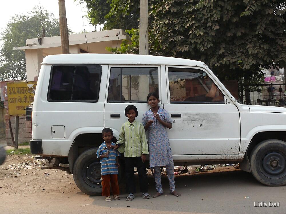Children on the street, Agra by Lidiya