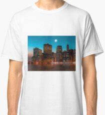 Manhattan at night Classic T-Shirt