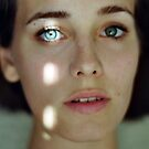 light dot in eye by LauraZalenga