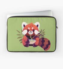 Roter Panda, der Ramen isst Laptoptasche
