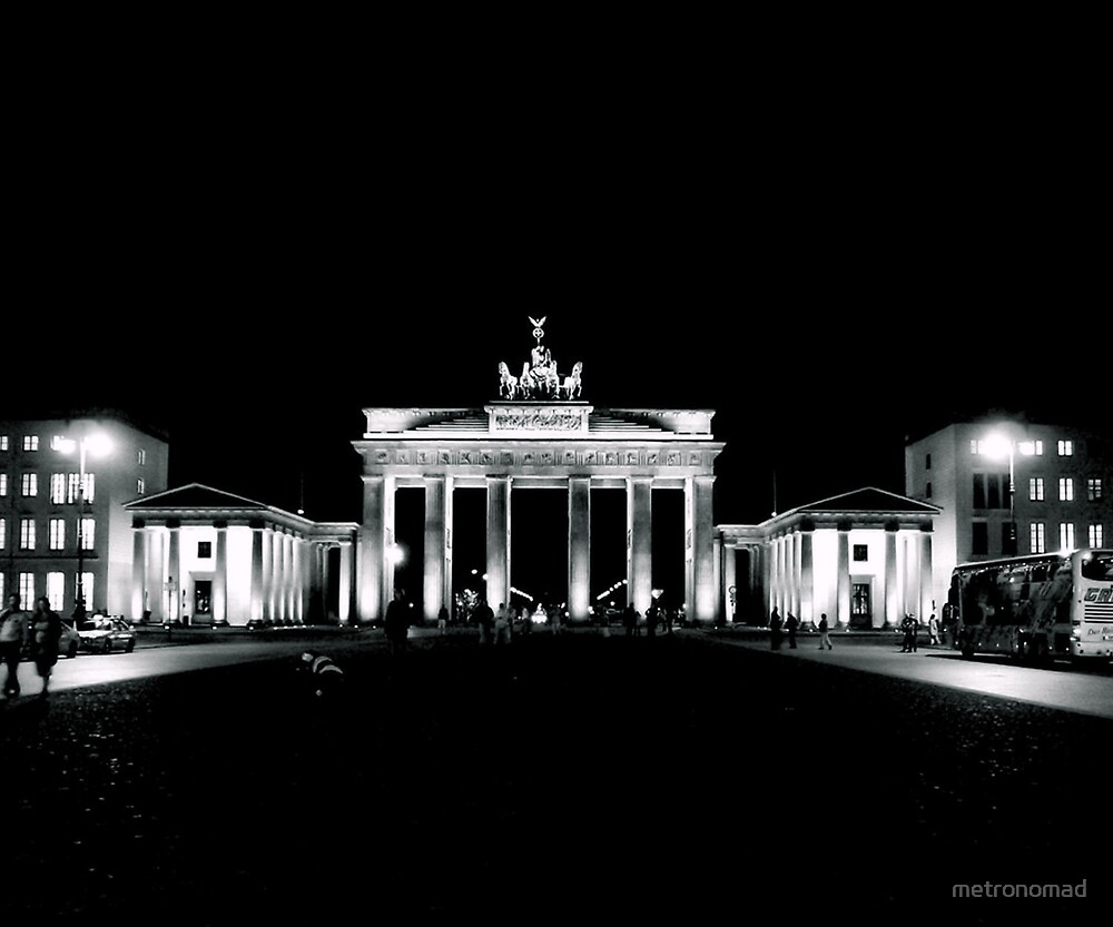 Brandenburg Gate by metronomad