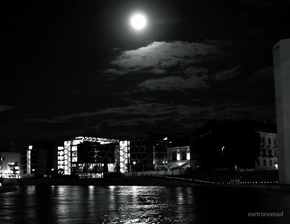 Moonlight at the Spree by metronomad