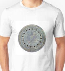 Berlin Man Hole, Canal Guss Unisex T-Shirt
