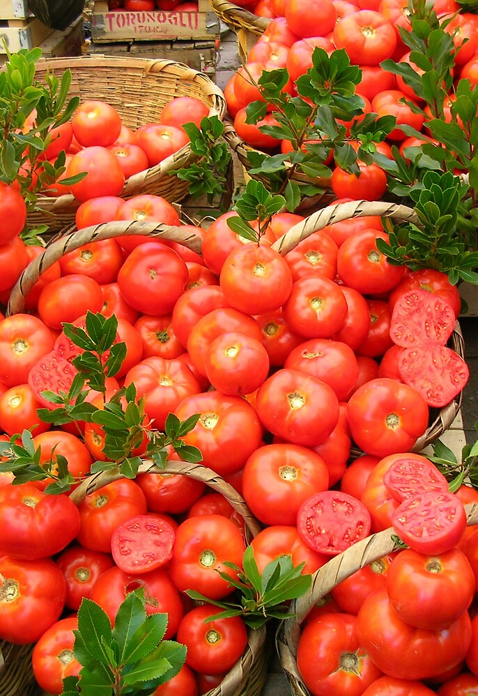 Tomatoes on a Turkish market by altix