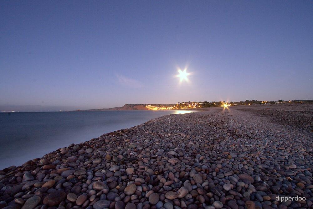 Beach at daybreak by dipperdoo