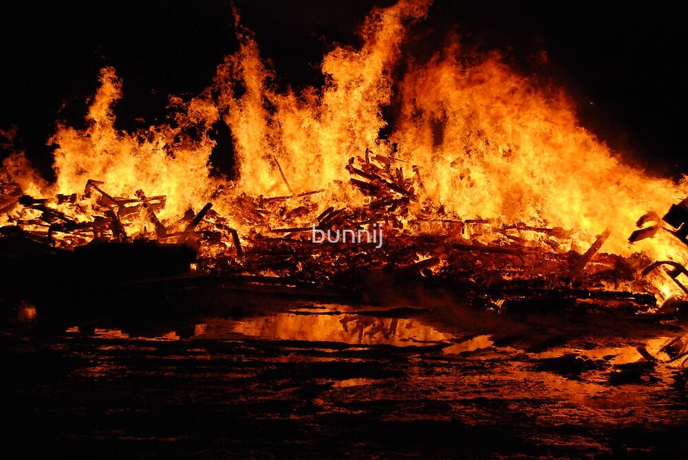 Fire!! by bunnij