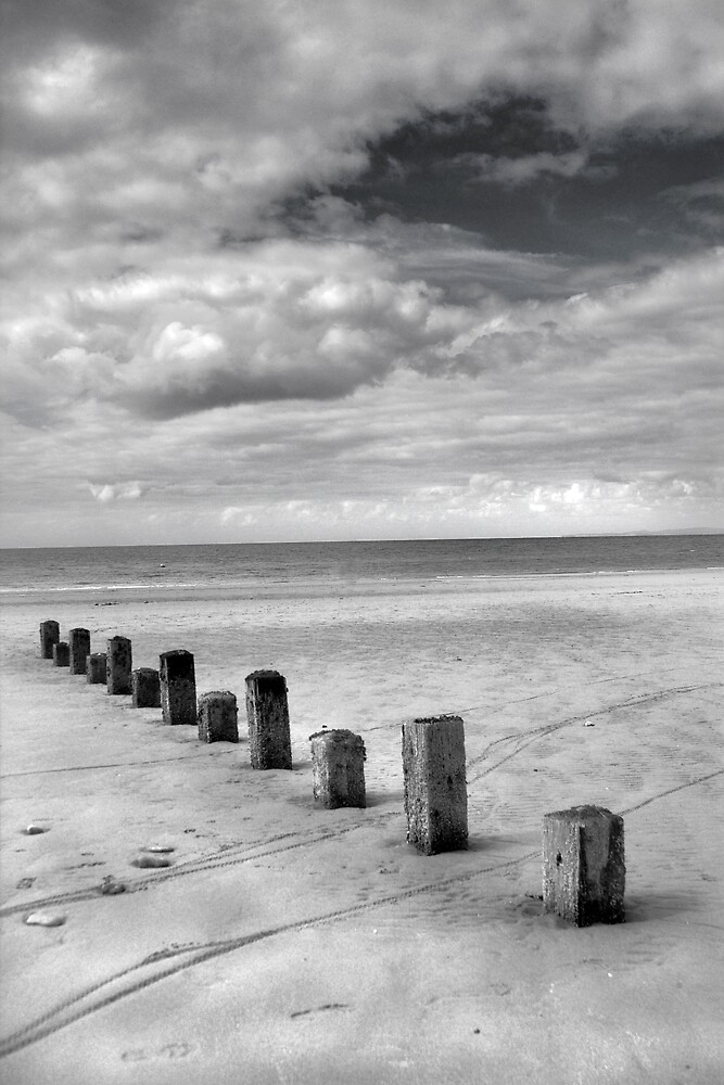 beachscape #3 by Jon Brayford