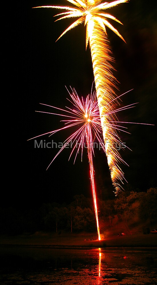 Carol's Fireworks @ Mount Barker 3 by Michael Humphrys