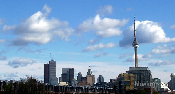 Toronto Skyline-West View by bluekrypton