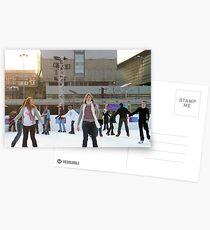 ice skaters 2 Postkarten