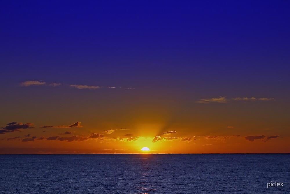 Tropical dawn by piclex