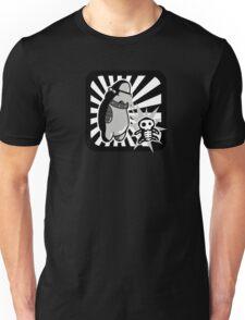 Robot with victim - noir style - sans text T-Shirt
