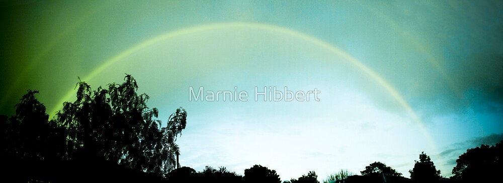 Earth pulse by Marnie Hibbert