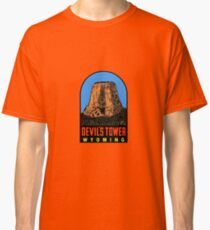 Devils Tower Wyoming Vintage Travel Decal Classic T-Shirt