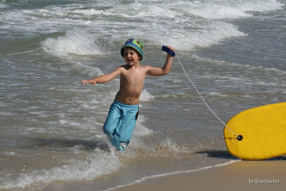 Surfboy by bribiedamo