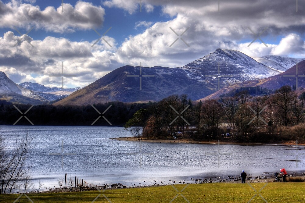 Causey Pike from Derwentwater by Tom Gomez