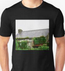 Overgrown cottage, Glenalla, Donegal, Ireland T-Shirt