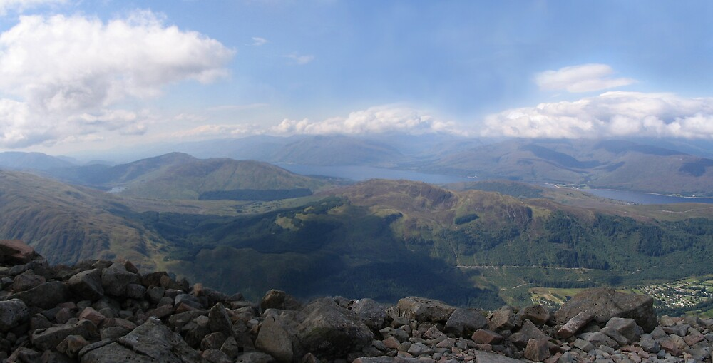 Panoramic from the top of Ben Nevis by nybo