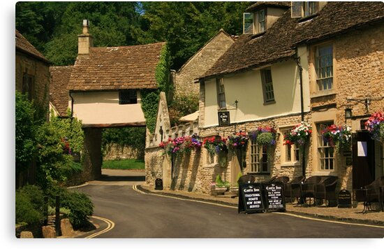 Castle Inn, Castle Combe by RedHillDigital